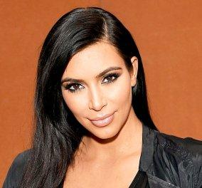 Kim Kardashian: Φωτογραφίζεται φορώντας μαύρο ολόσωμο μαγιό με βαθύ ντεκολτέ για να μας δείξει πόσο καλά πάει η δίαιτα της - Κυρίως Φωτογραφία - Gallery - Video