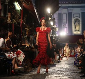 Oι Dolce & Gabbana αφιέρωσαν την κολεξιόν τους στην ωραιότερη Ιταλίδα όλων των εποχών Σοφία Λόρεν - Παρούσα η 80χρονη ντίβα του Cinecitta - Κυρίως Φωτογραφία - Gallery - Video