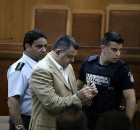 """Δίκη Χρυσής Αυγής: Ο διάλογος """"φωτιά"""" της προέδρου με τον αστυνομικό που συνέλαβε τον Ρουπακιά   - Κυρίως Φωτογραφία - Gallery - Video"""