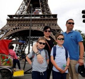 Story of the day: Το ζευγάρι με τα δυο αυτιστικά παιδιά που κέρδισαν διανυκτέρευση στον Πύργο του Άιφελ  - Κυρίως Φωτογραφία - Gallery - Video