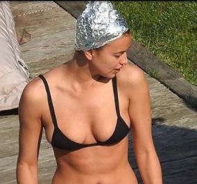 Ιρίνα Σάικ με κάσκα - αλουμινόχαρτο στο κεφάλι,  μπικίνι- υποψία  & τον Μπράντλευ Κούπερ κολλητούλη - Κυρίως Φωτογραφία - Gallery - Video