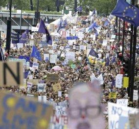 Το Λονδίνο γέμισε με χιλιάδες νεαρούς διαδηλωτές εναντίον του Brexit   - Κυρίως Φωτογραφία - Gallery - Video