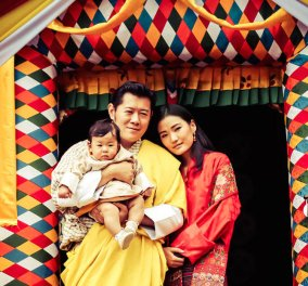 O καλλονός Βασιλιάς & η Βασίλισσα του Μπουτάν μας δείχνουν το μωράκι τους! 6 μηνών - Κυρίως Φωτογραφία - Gallery - Video