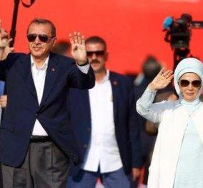 Αγνοούνται 32 Τούρκοι διπλωμάτες - Εξαφανίστηκαν μετά το πραξικόπημα - Κυρίως Φωτογραφία - Gallery - Video