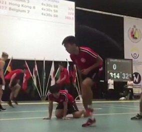 Τι κι αν το σκοινάκι δεν είναι.... ολυμπιακό άθλημα; Αυτοί οι Κινέζοι έσπασαν ρεκόρ με τις φιγούρες τους (Βίντεο) - Κυρίως Φωτογραφία - Gallery - Video