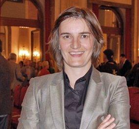 Άνα Μπέρναμπιτς: Η Σερβία αποκτά την πρώτη γκέι υπουργό της - Κυρίως Φωτογραφία - Gallery - Video