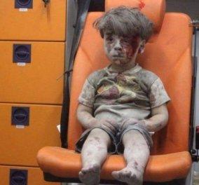 Αυτό το βίντεο πρέπει να το δείτε όλοι: Ο μικρός Ομράν σύμβολο πια του πόλεμου στην Συρία σαν απολιθωμένος γεμάτος αίματα - Ούτε να κλάψει δεν μπορούσε  - Κυρίως Φωτογραφία - Gallery - Video