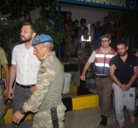 Συγκλονιστικές φωτό: Η στιγμή της σύλληψης των κομάντο που πήγαν να πιάσουν τον Ερντογάν - Κυρίως Φωτογραφία - Gallery - Video