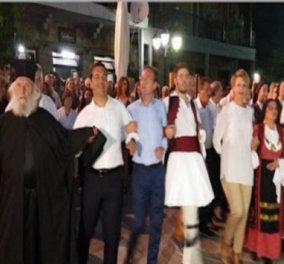 """Ο Αλέξης Τσίπρας χορεύει """"ηπειρώτικο καγκελάρι"""" με τον Παπά - Δημήτρη τον θείο του - Κυρίως Φωτογραφία - Gallery - Video"""
