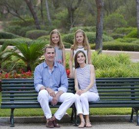 Βασιλιάς Φελίπε & Βασίλισσα Λετίσια: 28 νέες, καλοκαιρινές  φωτό με τα δυο κοριτσάκια τους - Κυρίως Φωτογραφία - Gallery - Video