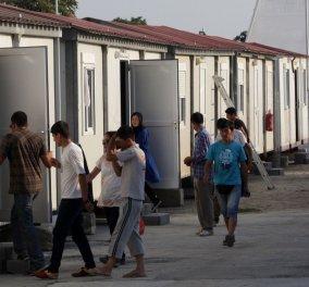 Guardian: Σεξουαλικές επιθέσεις εναντίον παιδιών και γυναικών στα ελληνικά κέντρα φιλοξενίας προσφύγων - Κυρίως Φωτογραφία - Gallery - Video