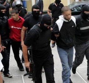 Συνελήφθησαν στη Σπάρτη ο Κώστας Σακκάς από τους Πυρήνες της Φωτιάς και ο Μάριος Σεϊσίδης από τους ληστές με τα μαύρα - Κυρίως Φωτογραφία - Gallery - Video