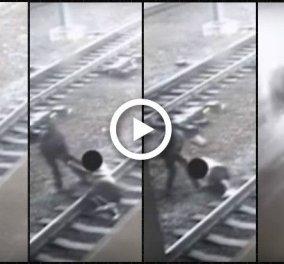 Βίντεο που κόβει την ανάσα: Αστυνομικός τράβηξε από τις ράγες άντρα δευτερόλεπτα πριν περάσει το τρένο - Κυρίως Φωτογραφία - Gallery - Video