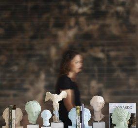 Sophia.com: Αγάλματα με φιλοσοφία για τουρίστες ή Έλληνες που θέλουν Made In Greece δώρα σε όμορφο ''πακέτο''  - Κυρίως Φωτογραφία - Gallery - Video