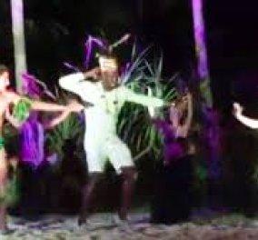 Ο Γιουσέιν Μπολτ στα εξωτικά νησιά Μπόρα- Μπόρα: Χόρεψε μέχρι τελικής πτώσεως  - Κυρίως Φωτογραφία - Gallery - Video