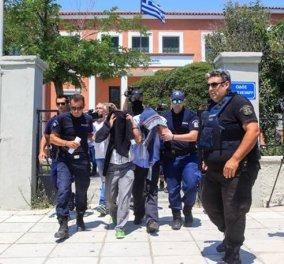 Πραξικόπημα Τουρκία: Η Ελλάδα δεν δίνει πολιτικό άσυλο στους  3 από τους 8 αξιωματικούς - Όλες οι εξελίξεις   - Κυρίως Φωτογραφία - Gallery - Video