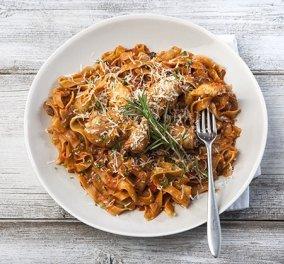 H Αργυρώ σε μια παραδοσιακή συνταγή που θα λατρέψετε: Μακαρονάδα με xωριάτικο κοτόπουλο - Κυρίως Φωτογραφία - Gallery - Video