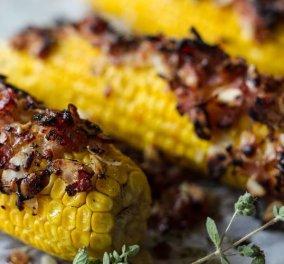 Καλαμπόκια εποχής στο φούρνο με μπέικον και παρμεζάνα - Μια εύκολη συνταγή του Άκη Πετρετζίκη - Κυρίως Φωτογραφία - Gallery - Video