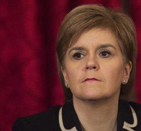 Συγκινητικό: Η πρωθυπουργός της Σκωτίας αποκάλυψε ότι απέβαλε - Η απάντησή της στα σχόλια ότι είναι άτεκνη - Κυρίως Φωτογραφία - Gallery - Video