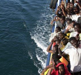 Ιταλία: Τεράστια επιχείρηση του λιμενικού για τη διάσωση χιλιάδων μεταναστών στη θάλασσα - 1.800 έχουν σωθεί μέχρι τώρα - Κυρίως Φωτογραφία - Gallery - Video