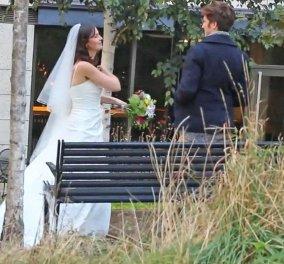 Βίντεο για πολλά γέλια: Γυναίκα φαρσέρ εμφανίζεται στο 1ο ραντεβού με νυφικό - Οι ξεκαρδιστικές αντιδράσεις - Κυρίως Φωτογραφία - Gallery - Video