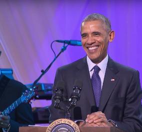 Βίντεο: O Μπάρακ Ομπάμα αποχαιρετά με ξέφρενο χορό σε πάρτι το Λευκό Οίκο - Κυρίως Φωτογραφία - Gallery - Video