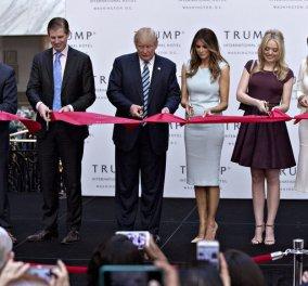 Με το ψαλίδι στο χέρι όλη η οικογένεια Τραμπ: Εγκαίνια στο νέο του ξενοδοχείο στην Ουάσιγκτον - Κυρίως Φωτογραφία - Gallery - Video