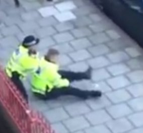Βίντεο: Όχλος από 30 μαθητές επιτέθηκε σε 2 αστυνομικούς που προσπάθησαν να σταματήσουν καυγά 2 κοριτσιών  - Κυρίως Φωτογραφία - Gallery - Video