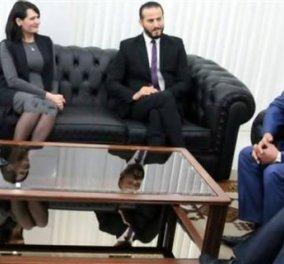 """Αποτυχημένο Photoshop: Οι Τυνήσιοι """"μάκρυναν"""" το μίνι φόρεμα της υπουργού για να μην φαίνονται τα γόνατά της - Κυρίως Φωτογραφία - Gallery - Video"""