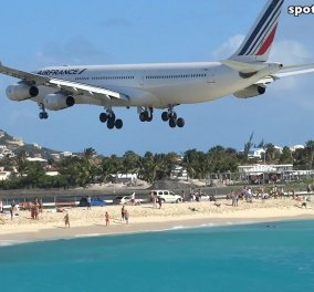 Βίντεο: Η  στιγμή που Boeing 747 στέλνει με δύναμη δεκάδες άτομα στη θάλασσα! - Κυρίως Φωτογραφία - Gallery - Video