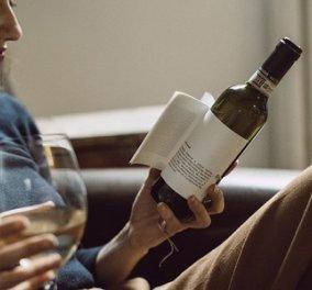 Η λογοτεχνία συναντά το ... κρασί - Έγραψαν μικρά διηγήματα πάνω στις ετικέτες από τα μπουκάλια - Κυρίως Φωτογραφία - Gallery - Video