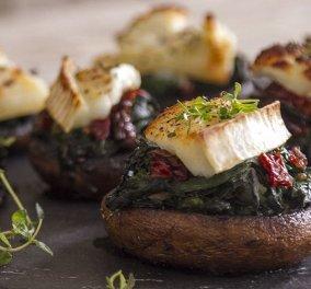 Ο Άκης μαγειρεύει & μαγεύει! Μανιτάρια γεμιστά με σπανάκι και κατσικίσιο τυρί - Κυρίως Φωτογραφία - Gallery - Video