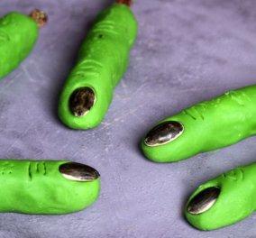 Δάχτυλα θρίλερ από ζαχαρόπαστα για να γελάσουν μικροί & μεγάλοι - Trick or Treat από τον Άκη Πετρετζίκη - Κυρίως Φωτογραφία - Gallery - Video