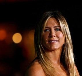 Τι Νο ρούχα φοράει η Jennifer Aniston; Ξέχασε κρεμασμένο το καρτελάκι - Κυρίως Φωτογραφία - Gallery - Video