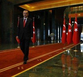 """Η καταρρέουσα πολιτική της Τουρκίας - Να γιατί το 2017 θα είναι """"η αρχή του τέλος"""" για τη χώρα του Ερντογάν - Κυρίως Φωτογραφία - Gallery - Video"""
