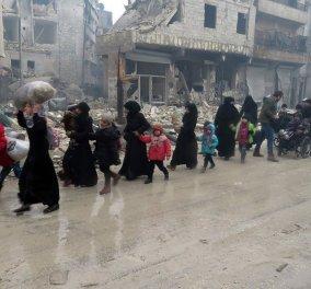 Συγκλονιστικές φωτογραφίες από το κατεστραμμένο Χαλέπι: Οι δυνάμεις του Άσαντ στην πόλη & η έξοδος των εγκλωβισμένων  - Κυρίως Φωτογραφία - Gallery - Video