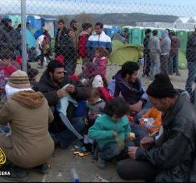 Είναι η είδηση της ημέρας: Πρόσφυγες στη Θεσσαλονίκη μοιράζουν φαγητό σε άστεγους & άπορους - Κυρίως Φωτογραφία - Gallery - Video
