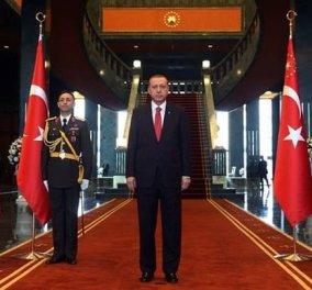 Ο Ερντογάν έστειλε ευχητήριες κάρτες για το νέο έτος που συνοδεύονταν από κομμάτια μάρμαρου από το Κοινοβούλιο! - Κυρίως Φωτογραφία - Gallery - Video