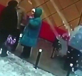 Βίντεο: Γυναίκα τραυματίστηκε από χιόνι που έπεσε από ταράτσα & σωριάστηκε αναίσθητη - Κυρίως Φωτογραφία - Gallery - Video