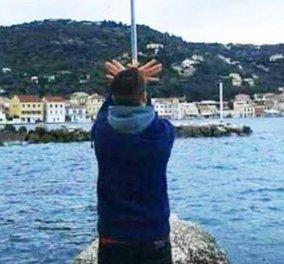 Απελάθηκε 17χρονος Αλβανός που σχημάτισε τον αλβανικό αετό κάτω από ελληνική σημαία  - Κυρίως Φωτογραφία - Gallery - Video