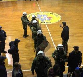 Μαύρη νύχτα για το μπάσκετ: Επεισόδιο στον αγώνα Ψυχικού-Αιγάλεω - 1 τραυματίας, 7 προσαγωγές  - Κυρίως Φωτογραφία - Gallery - Video