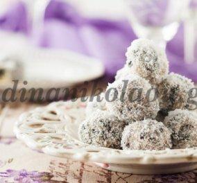 Εύκολα τρουφάκια με μπισκότα σοκολάτας και ινδοκάρυδο από την Ντίνα Νικολάου - Κυρίως Φωτογραφία - Gallery - Video