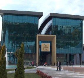 Έκλεισαν σε δύο καταστήματα υποδημάτων Καλογήρου σε Golden Hall και Mall - Η ανακοίνωση των υπαλλήλων   - Κυρίως Φωτογραφία - Gallery - Video