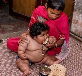 Αυτή η 8 μηνών μπέμπα ζυγίζει όσο μια 10χρονη: Τρώει όλη μέρα & τώρα κινδυνεύει η ζωή της- Φώτο - Κυρίως Φωτογραφία - Gallery - Video