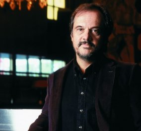 Ο Απόστολος Δοξιάδης παρουσιάζει το νέο βιβλίο του «Λέγοντας και ξαναλέγοντας» - Κυρίως Φωτογραφία - Gallery - Video