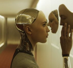 Ποιος είπε ότι τα ρομπότ δεν έχουν συναισθήματα; Το ECM χαίρεται, λυπάται και συνομιλεί με ανθρώπους! - Κυρίως Φωτογραφία - Gallery - Video