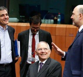 Die Welt: «Διερωτάται κανείς, εάν οι αναλύσεις του Σόιμπλε αφορούν πραγματικά την Ελλάδα»- Τα «κόλπα» του στο ελληνικό ζήτημα - Κυρίως Φωτογραφία - Gallery - Video