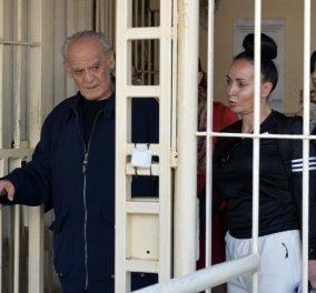 Αποφυλακίστηκε ο Τσοχατζόπουλος: «Έληξε ο εγκλεισμός και ο βασανισμός μου» -Φώτο & Βίντεο - Κυρίως Φωτογραφία - Gallery - Video