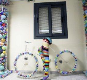 Good news: 600 έργα τέχνης μετατρέπουν σε τεράστια γκαλερί το Υπουργείο Παιδείας - Κυρίως Φωτογραφία - Gallery - Video