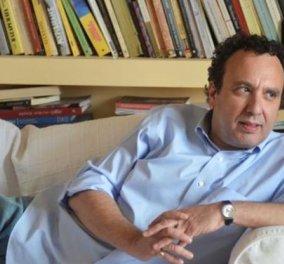 Ο Χρήστος Χωμενίδης θυμάται το καλoκαίρι που έδινε πανελλήνιες - Και όμως πήρε 12 στην έκθεση - Κυρίως Φωτογραφία - Gallery - Video